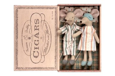 MAILEG || MOUSE, MUM & DAD IN CIGARBOX