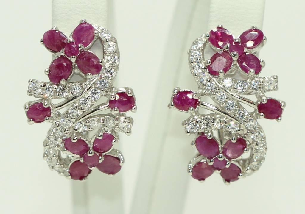 Boucles d'oreilles avec rubis