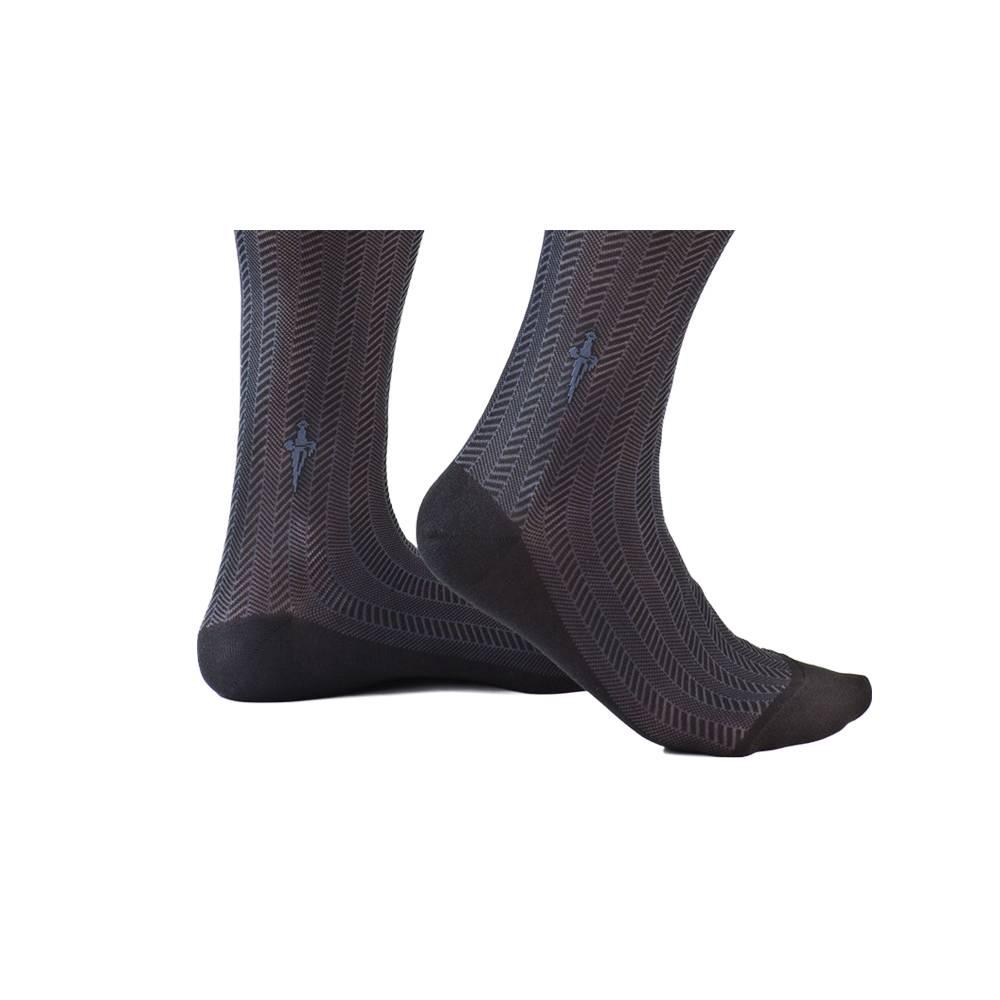 Zwarte sokken met blauwe kabels
