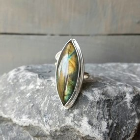 Edelsteen ring