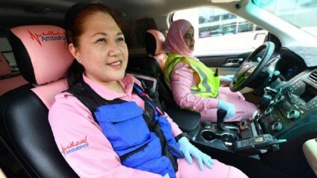 Roze ambulance in Dubai