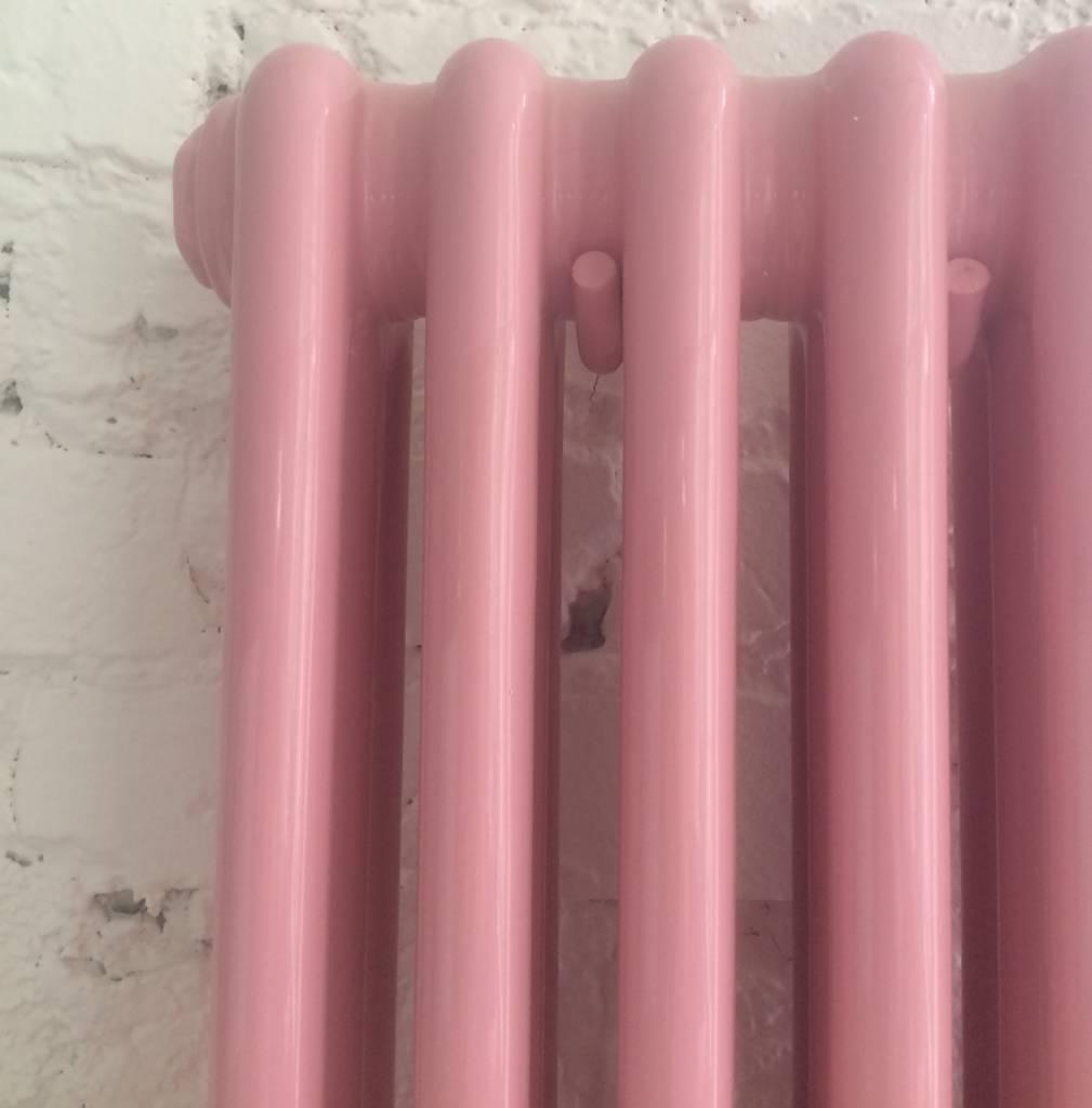 ... Heizkörper In Der Hellrosa Farbe RAL 3015 ...