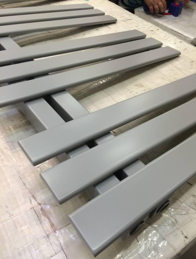 Silver designer radiators free colour samples hothot for Fenetre ral 9006