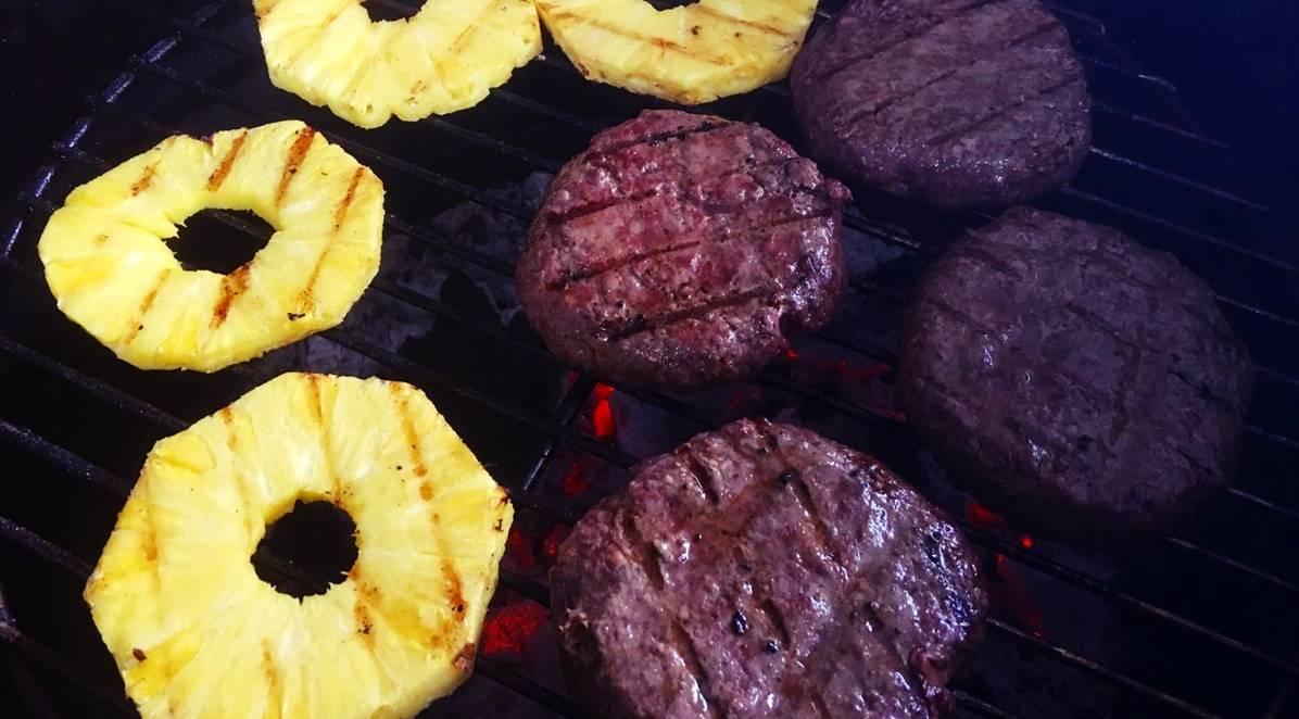 Bavette Burger met verse ananas
