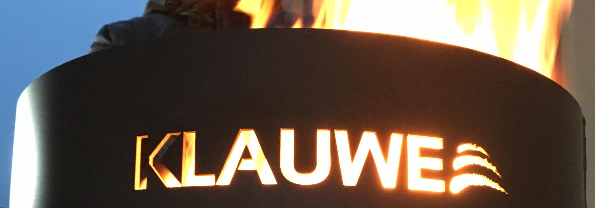 Kupplungen Feuerstelle in der Nacht