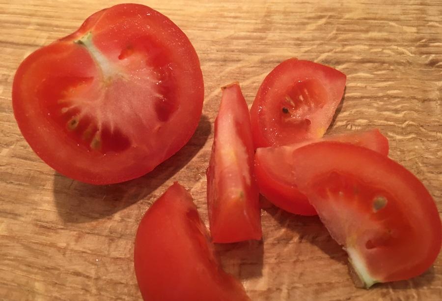 Tomaten snijden