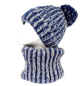 Blauwe infinity sjaal en muts met pompon