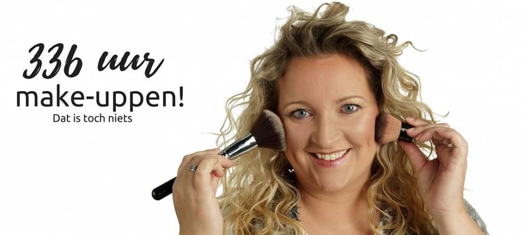 Hoe lang ben jij bezig met je make-up ?  336 uur toch?
