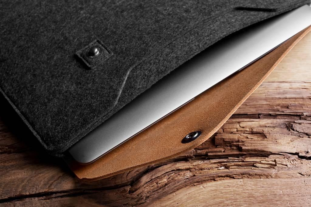 """Mujjo Mujjo 12"""" MacBook Sleeve Bruin"""