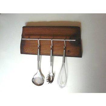 Küchenleiste aus altem Fachwerkbalken