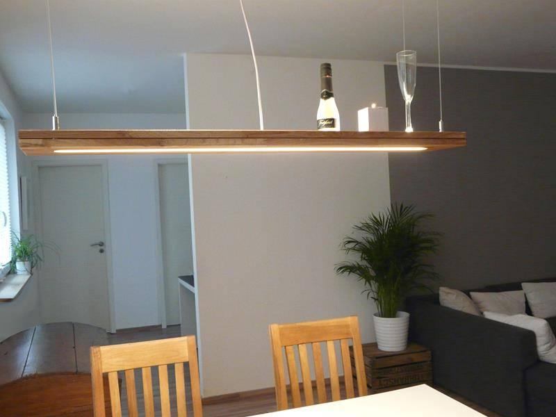 h ngelampe holz eiche ge lt mit ober und unterlicht luxina licht. Black Bedroom Furniture Sets. Home Design Ideas