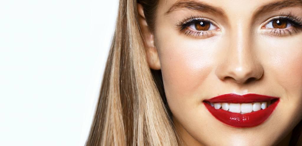 De perfecte rode lippenstift tijdens de kerstdagen
