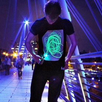 illuminated Apparel Interaktives Leuchtshirt
