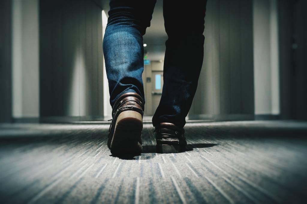 Wenn Sie es bereits erlebt haben, wissen Sie wie unangenehm es ist; ermüdete und ruhelose Beine. Aber wie vermeidet man das?