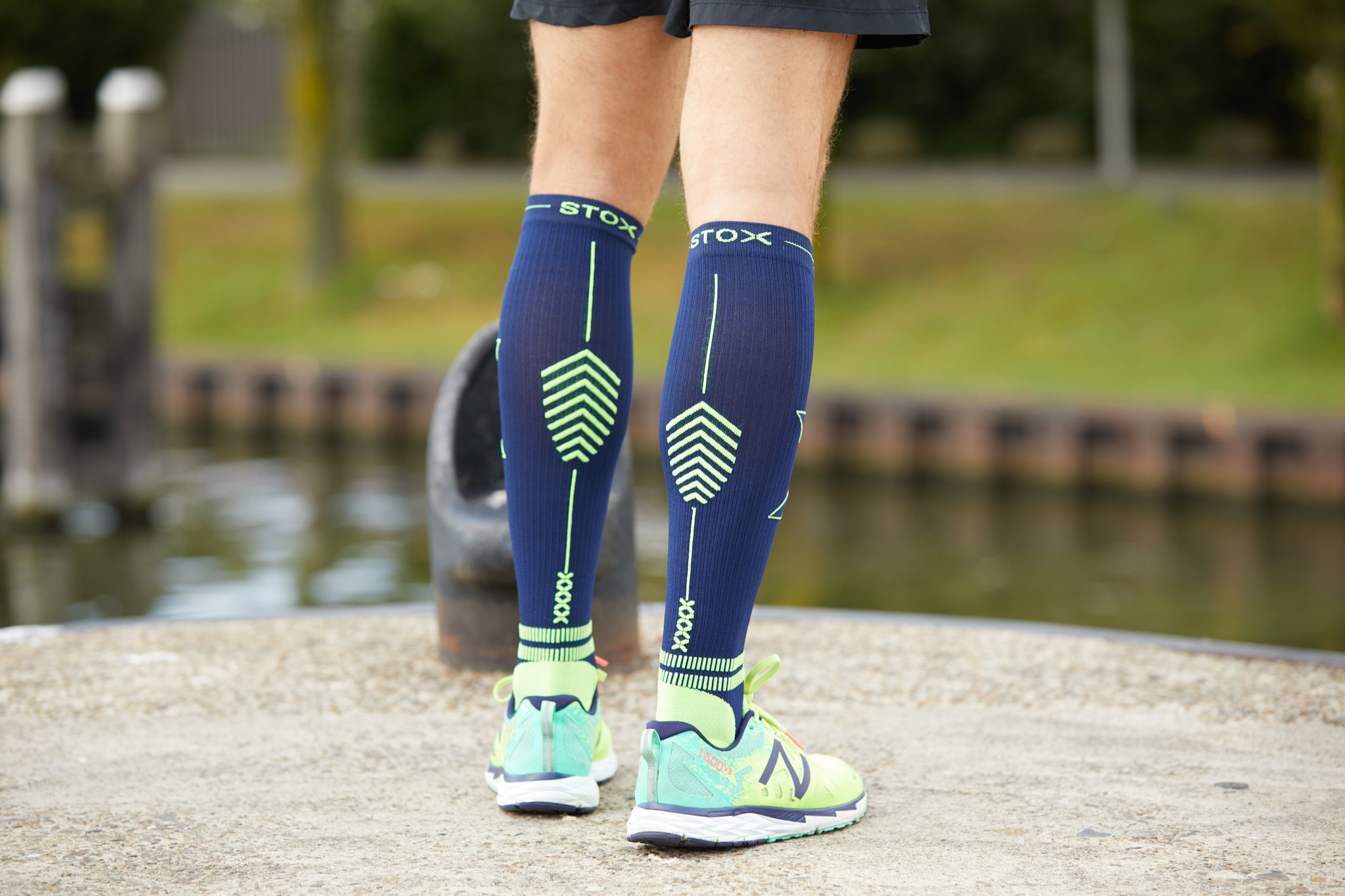 6fe2fd2802 Take a compression sock for instance, where pressure is also applied in the  foot, like STOX. In this way the blood flow is stimulated throughout the  leg.