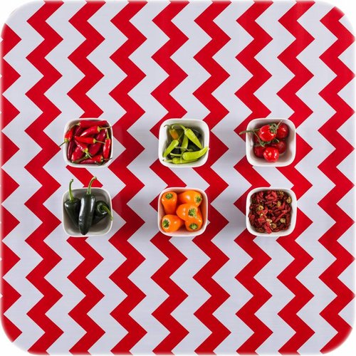 Tafelzeil op rol Zigzag rood rol 11m x 1,20m