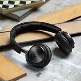 BeoPlay H8 Wireless and One Ear Headphone