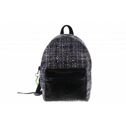 Zwart met stoffen backpack