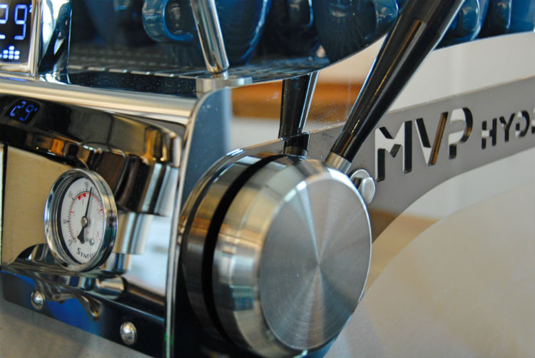 Blo9mmers Bar Synesso MVP Hydra