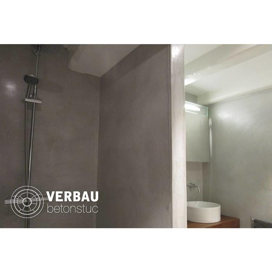 https://static.webshopapp.com/shops/147136/files/186611717/900x900x2/verbau-betonstuc-workshop-badkamer-in-verbau-beton.jpg