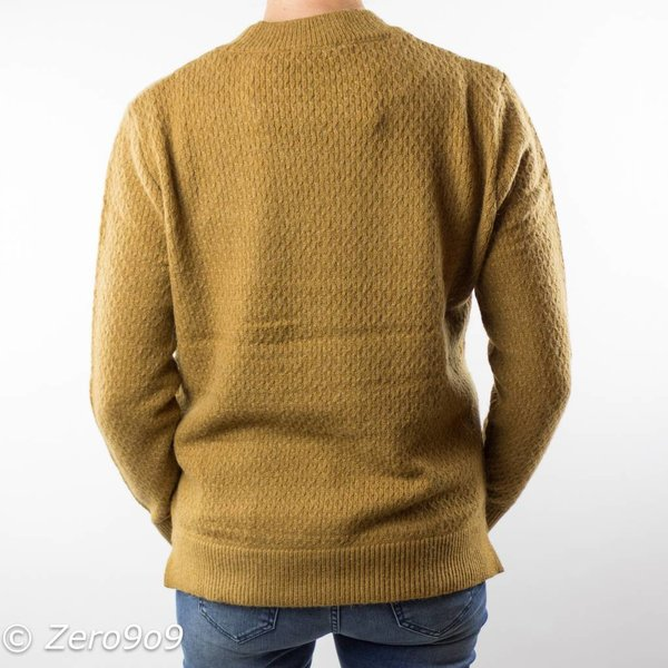 Selected O-neck knitted sweater
