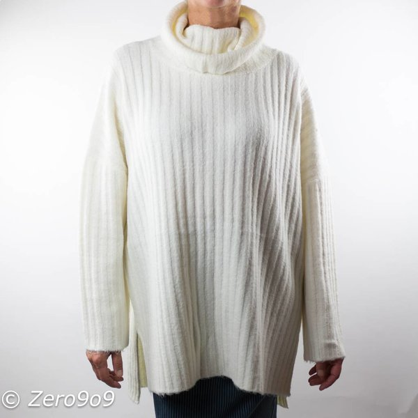 French Connection Oversized white knit