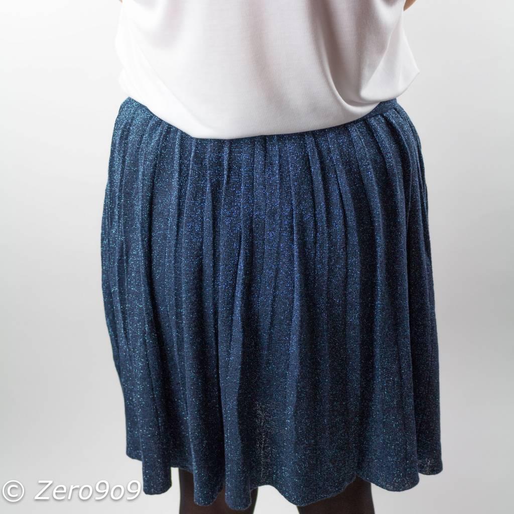 Skirt details:* knee length