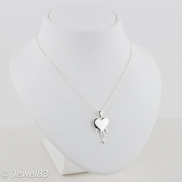 925e Dripping heart necklace