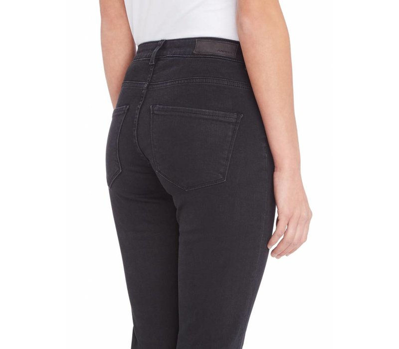 PUREWHITE THE SOUL FLAIR JEANS BLACK