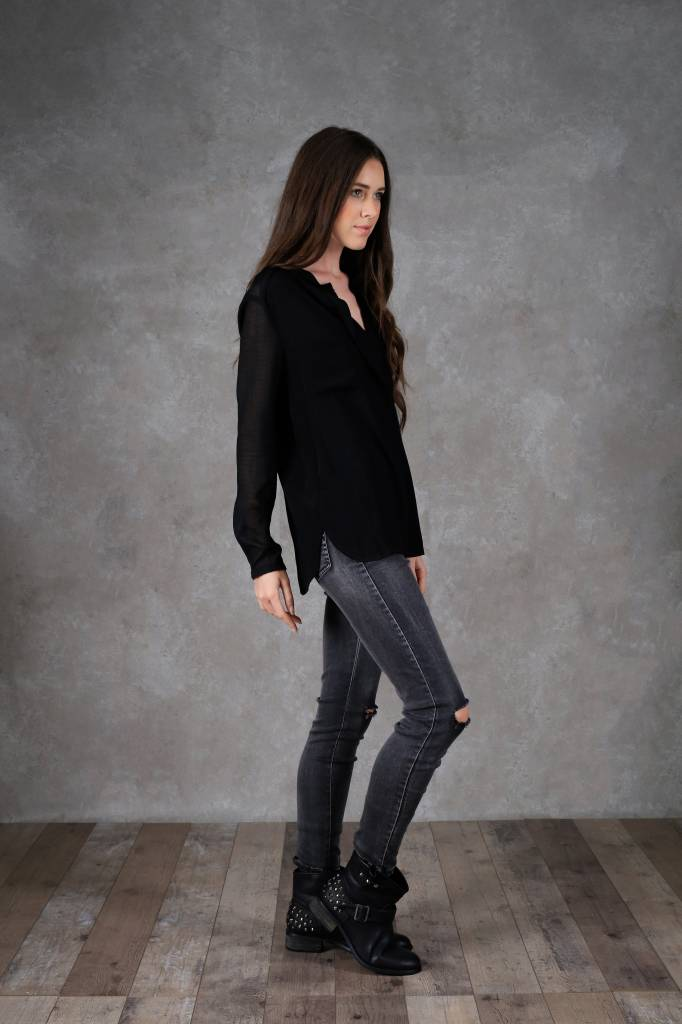 Amy Lou black blouse long sleeve