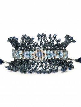 Nilu bracelet crocheted gray