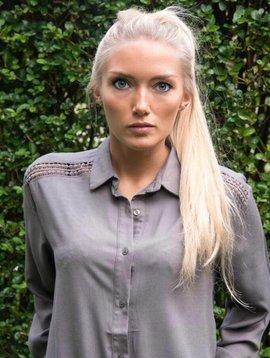 Amy Lou Blouse / khaki dressshirt