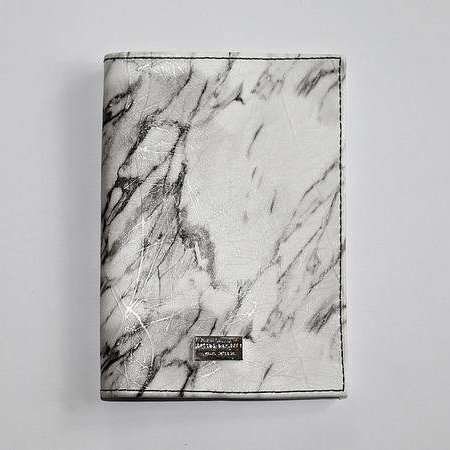 Ron Maro Passport Etui Marble White