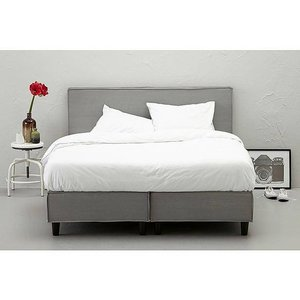 Hay bed gray
