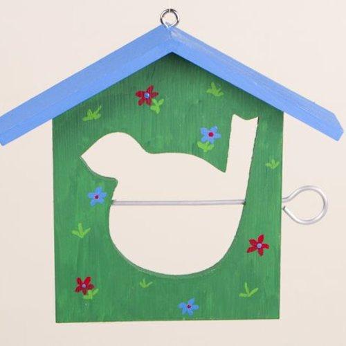 vogelhaus bemalen am bastelgeburtstag. Black Bedroom Furniture Sets. Home Design Ideas