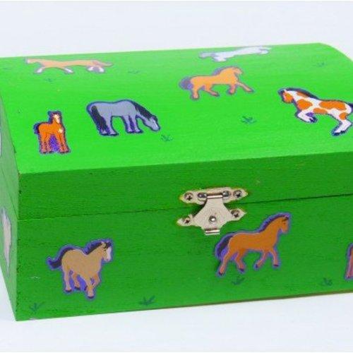 Pferde-Box basteln