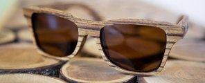 De houten zonnebril