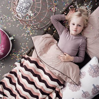 Ferm Living Blanket Zigzag Pink (80 x 100 cm.)