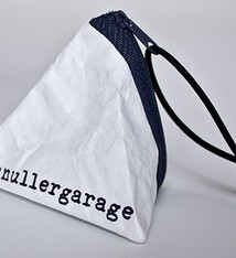 Johannes Lerch Taschen wie aus Papier - Schnullergarage