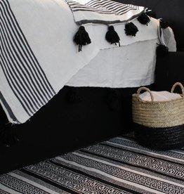 Riadlifestyle Pom Pom deken wit zwarte strepen
