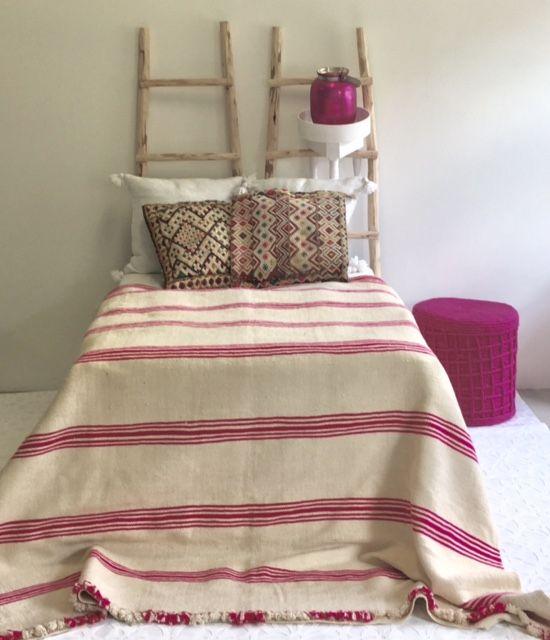 Riadlifestyle Vintage Pom Pom blanket pink