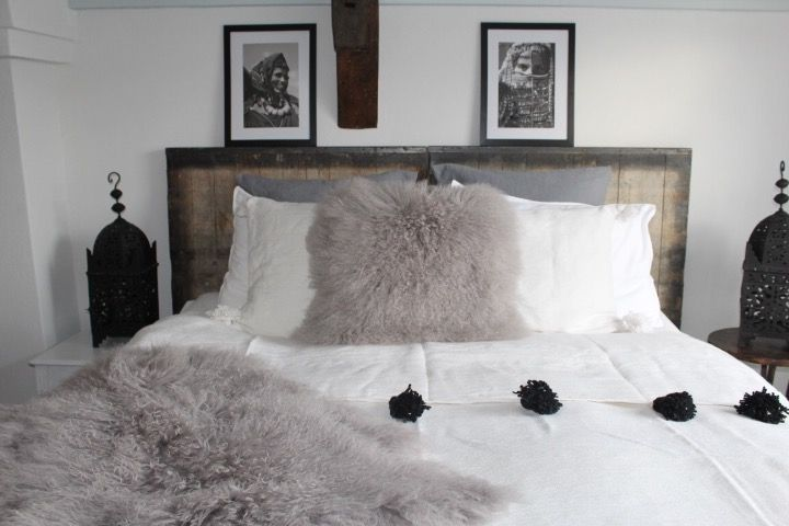 Riadlifestyle Pom Pom blanket white- black