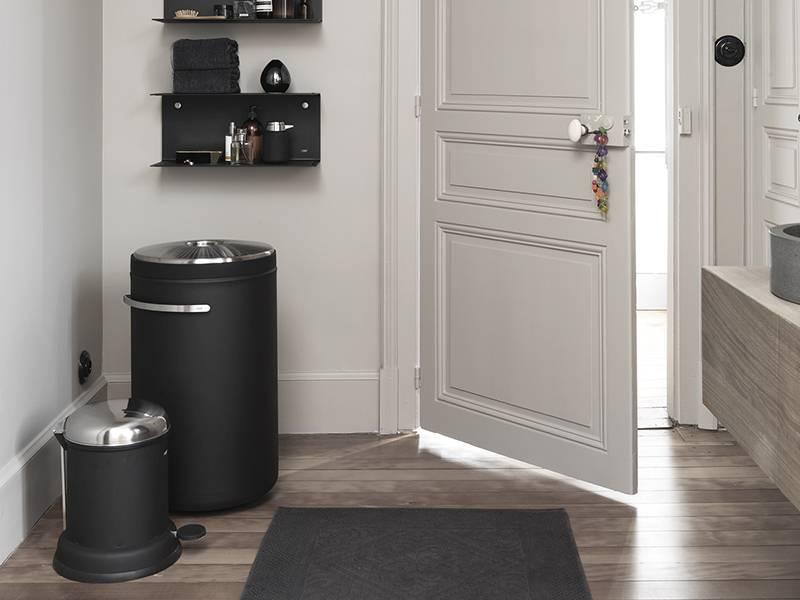 Vipp 441 Laundry Basket Black | Online Shop | Matriks - MATRIKS