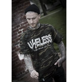 Useless Crisis Camo - T-Shirt