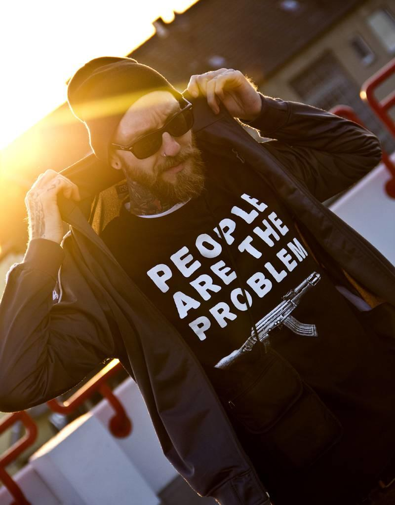 Useless People are the problem - T-Shirt