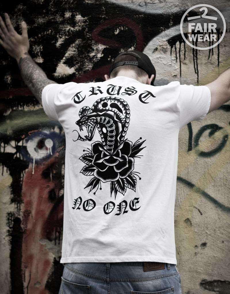 Useless Trust no one - Unisex T-Shirt - Fair Wear