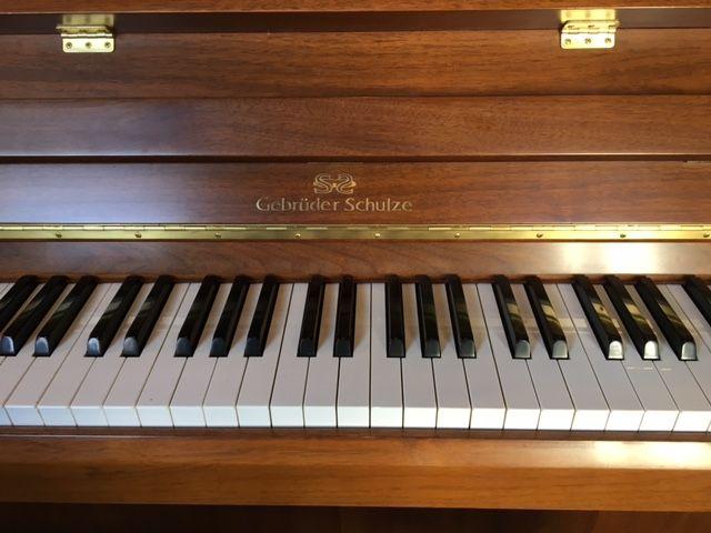 hoeveel snaren heeft een piano