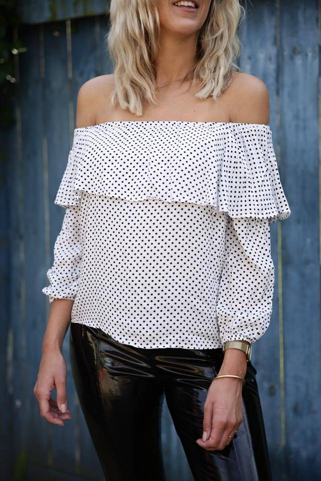 OFF SHOULDER TOP - STIP