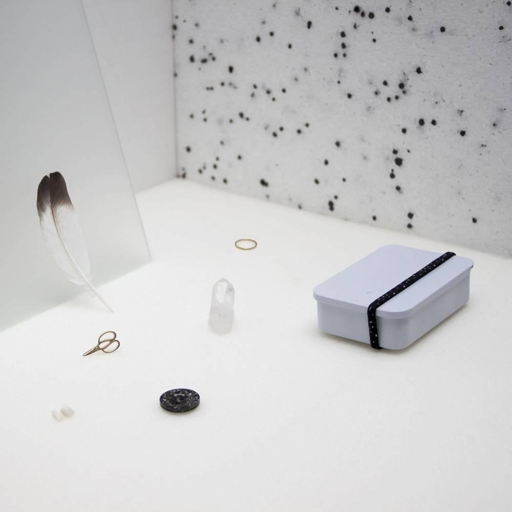 MAKE HISTORY treasure tin monochrome