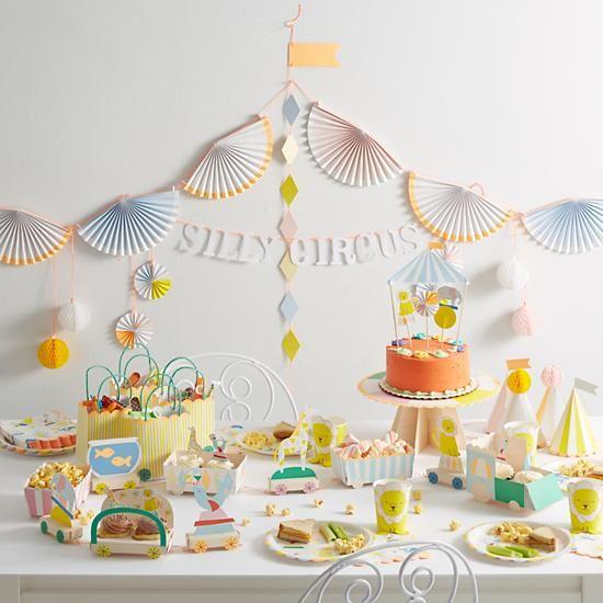 MERIMERI Silly Circus Garland Kit